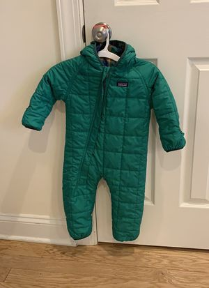 Patagonia snow suit for Sale in Wheaton, IL