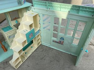 Vintage Barbie beach house from 1999 for Sale in Oakland, CA