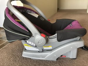 Infant car seat for Sale in Shoreview, MN