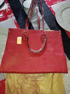 BEAUTIFUL red tote purse / bag for Sale in Miami, FL