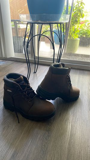 Work boots women size 8.5 for Sale in St. Petersburg, FL