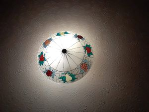 19 inch Stained glass ceiling light shade...excellent condition...100 obo for Sale in Summersville, WV