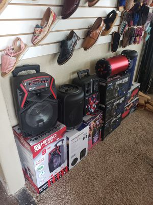 Speakers & karaoke for Sale in Riverbank, CA