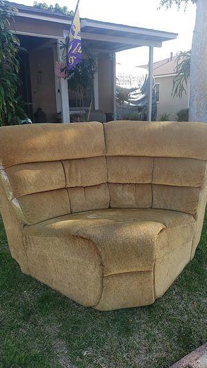 Sofa 10 bucks for Sale in La Mirada, CA