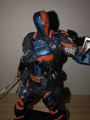 Deathstroke collectible statue for Sale in Fort Lauderdale, FL
