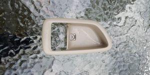 Interior Inside Door Handle Right Passenger Side Beige for 00-04 Toyot-$10(Pawtucket) for Sale in Pawtucket, RI