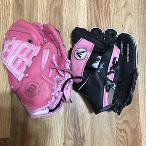 Girl Baseball/softball Gloves for Sale in Yorktown Heights, NY