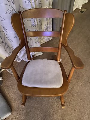 Vintage rocking chair for Sale in Stockton, CA