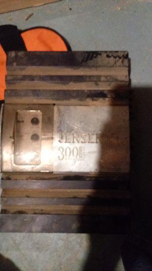Jensen 300 watt amp for Sale in Sioux Falls, SD