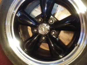 American racing rims with 2 275 40zr 17 and 2 p315 50zr17 for Sale in Neenah, WI