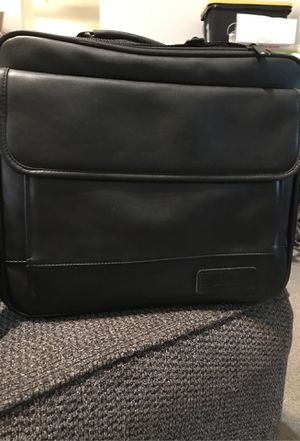 TARGUS LEATHER BLACK LAPTOP CASE for Sale in Fresno, CA