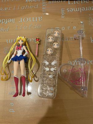 Pretty Guardian Sailor Moon Crystal: Sailor Moon SH Figuarts Action Figure for Sale in El Monte, CA