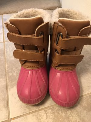 Original GAP , like new , kids girls winter and snow boots , water resistant , Impermeable, Insulated Boots . for Sale in Dunwoody, GA