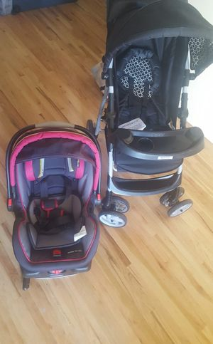 Graco Baby carseat and stroller for Sale in South Brunswick Township, NJ