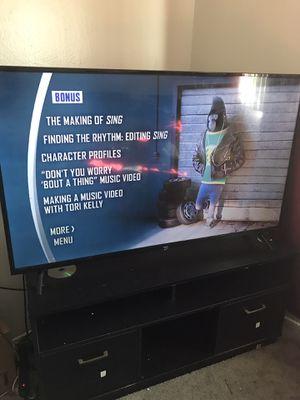 Roku 55 inch tv for Sale in Sacramento, CA