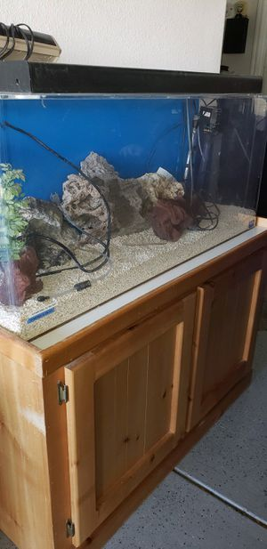 55 gallon fish tank with stand for Sale in Palmdale, CA