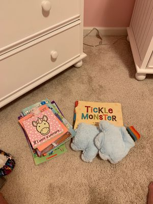 Tickle Monster book with gloves plus a few other books for Sale in Carol Stream, IL