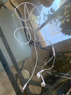 iPhone headphones with lighting adapter for Sale in San Diego, CA