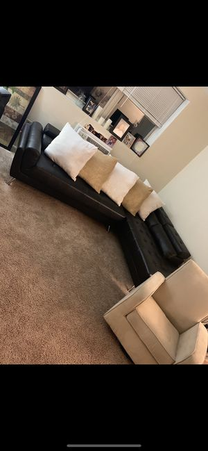 Dark brown leather sectional (in great condition) for Sale in Reading, PA