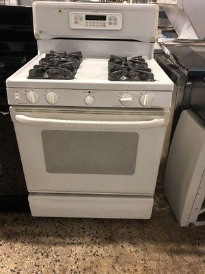 "30"" GE PROFILE GAS STOVE WITH WARRANTY for Sale in Woodbridge, VA"