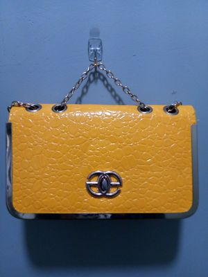 Yellow hand bag for Sale in NC, US