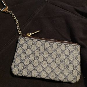 Gucci Pouch for Sale in Atlanta, GA