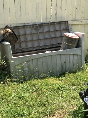 Outdoor resin storage benches 50 gallon and 30 gallon for Sale in North Ridgeville, OH