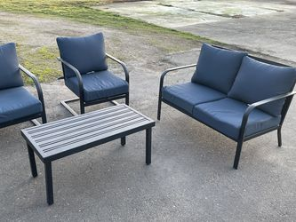 Patio Furniture Set for Sale in Canby,  OR