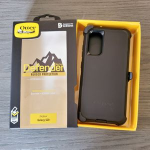 Samsung Galaxy S20 Otterbox Defender series Case with belt clip holster black for Sale in Canyon Country, CA