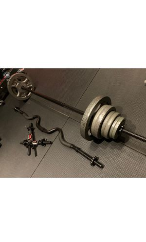 120LB Standard weight set with Curling Bar for Sale in Tustin, CA