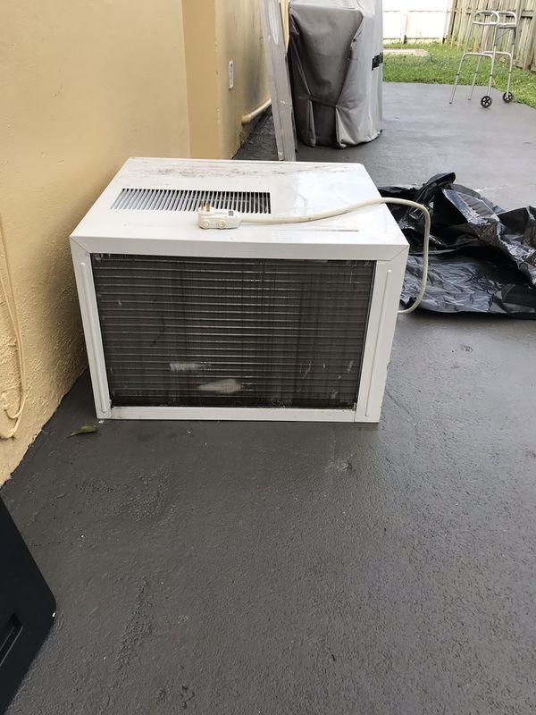 Used window AC