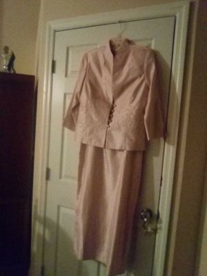 Pretty 2 piece suit dress for Sale in Nashville, TN