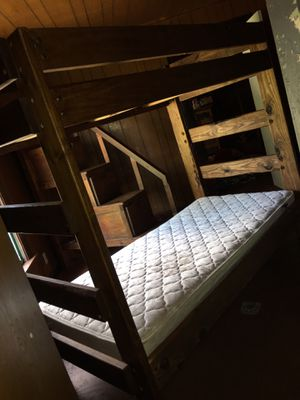 Twin size bunk bed / litera de madera for Sale in Houston, TX