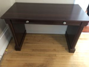 Small Desk for Sale in West Deptford, NJ