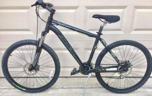 """Trek Mountain Bike - 18"""" Med frame , 26"""" wheels with disc brakes , excellent ready to ride condition for Sale in Murphy, TX"""