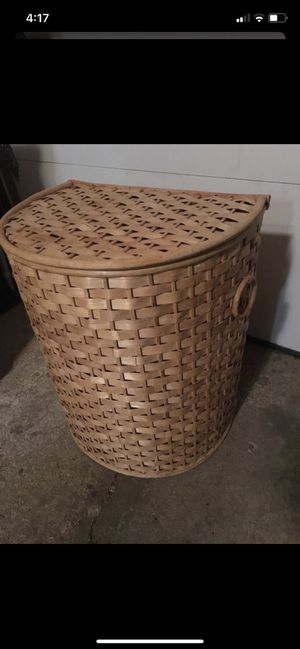 Laundry basket for Sale in Schaumburg, IL