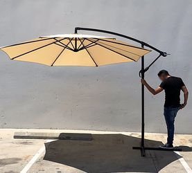 (NEW) $70 each Round 10' Offset Patio Umbrella Outdoor Off Set Crank Lift w/ Cross Stand for Sale in Whittier,  CA