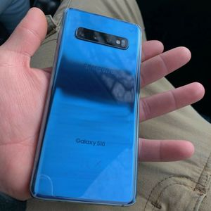 Samsung Galaxy S10 for Sale in Philadelphia, PA