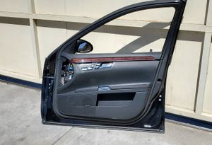 2007-2013 Mercedes Benz W221, S65, S550, S600 **PASSENGER SIDE/ FRONT DOOR ASSEMBLY** for Sale in South Gate, CA