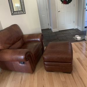 Leather Recliner With Ottoman for Sale in Camas, WA