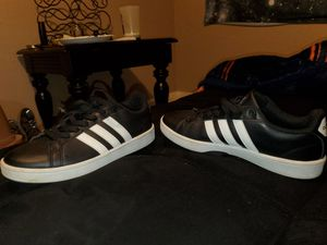 Perfect Condition! Adidas shoes 8 womens for Sale in Englewood, CO
