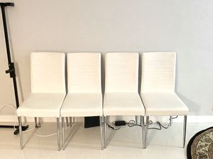 White Leather / Chrome Kitchen table chairs for Sale in Miami Beach, FL