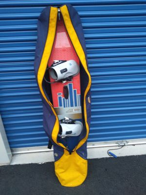"Burton Snowboard, Bindings & Bag included*! 61"" Bindings M size 8-10 Pick up is in Branford for Sale in Branford, CT"