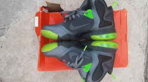 Size 7y Lebron 9 Dunkman Strong 9/10 condition for Sale in Lorton, VA