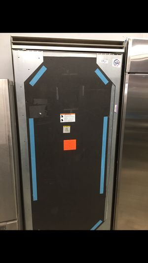 "Viking panel ready 36"" built in upright refrigerator for Sale in Moreno Valley, CA"