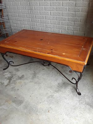 Cocktail table for Sale in Washington, IL