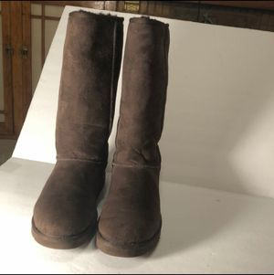 UGGS Tall Brown Excellent Condition - Size 5 for Sale in Los Nietos, CA