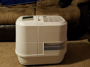 Holmes room humidifier HM3500 for Sale in Las Vegas, NV