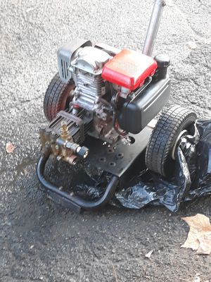 Powerease with a honda 160cc 5 hp pressure washer for Sale in Yakima, WA