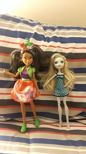 Desendents and monster high doll for Sale in Phoenix, AZ